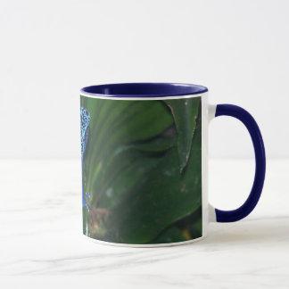 Portrait bleu de grenouille de flèche de poison mug