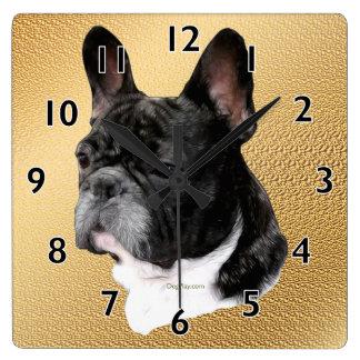Portrait de bouledogue français horloge carrée