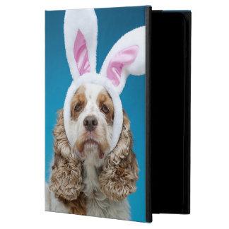 Portrait de chien utilisant des oreilles de lapin