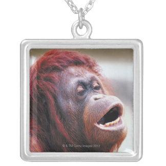 Portrait d'orang-outan pendentif carré