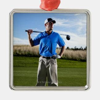 Portrait d'un golfeur un jour ensoleillé ornement carré argenté