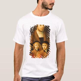 Portrait d'un homme et de ses trois fils t-shirt