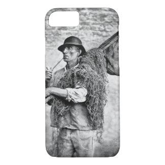 Portrait d'un pêcheur portant ses filets (pho de coque iPhone 7