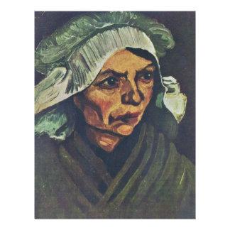 Portrait d'une femme rurale avec un casquette blan prospectus customisé