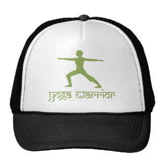 Pose de guerrier de yoga casquettes de camionneur