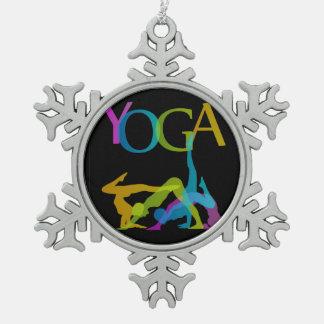 Poses de yoga ornement flocon de neige
