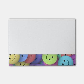 Post-it® Arc-en-ciel des visages heureux colorés
