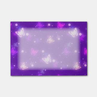 Post-it® Conception pourpre violette de papillons légers de