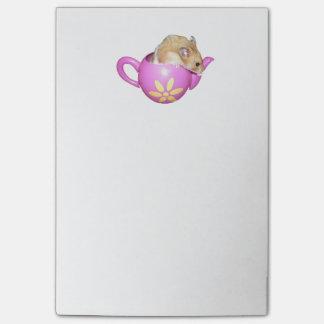 Post-it® Hamster mignon dans une photo rose de théière