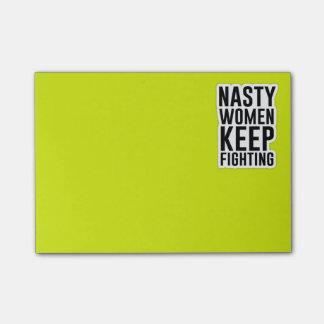 Post-it® Les femmes méchantes continuent à combattre le