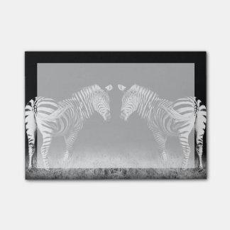 Post-it® Zèbres reflétés noirs et blancs