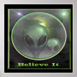 Poster Affiche grise d'aliens