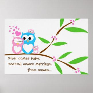 Poster Affiche jumelle de hiboux de bébé avec le texte