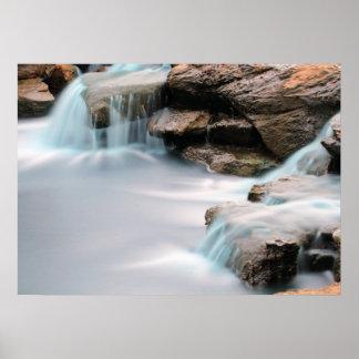 Poster Ajoutez une cascade soyeuse de jardin de citation