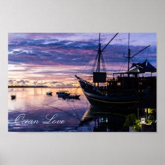 Poster Bateau à la lagune tropicale