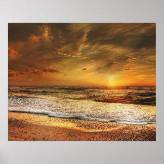 Poster Beau coucher du soleil orange sur la plage