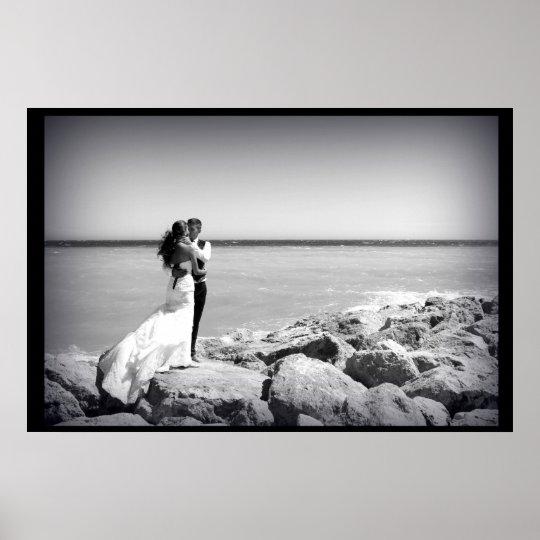 poster cadre noir mariés mariage mer rocher plage
