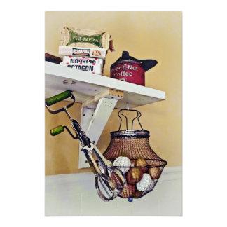 Poster Casier métallique des oeufs et du batteur d'oeufs