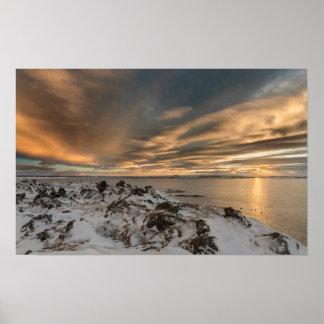 Poster Coucher du soleil au-dessus de lac Myvatn, Islande