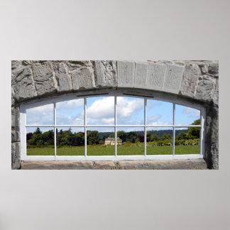 Poster Créez un effet de fenêtre arqué avec la vue rurale