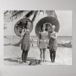 Poster Dames à la plage, 1920. Photo vintage