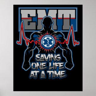 Poster EMT sauvant un vivant à la fois