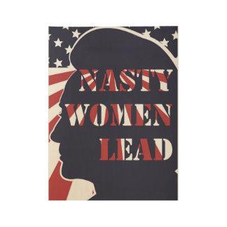 Poster En Bois Les femmes méchantes mènent l'affiche politique