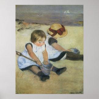 Poster Enfants jouant sur la plage par Mary Cassatt