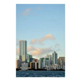 Poster Gratte-ciel de Miami contre le ciel clair large