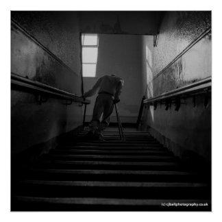 Poster Homme handicapé employant des étapes - copie de