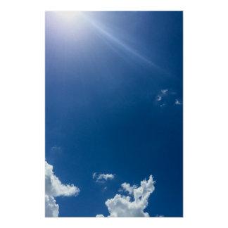 Poster Le blanc de ciel bleu opacifie les cieux nuageux