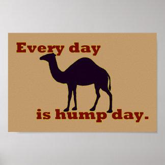 """Poster Le chameau """"chaque jour est journée en milieu de s"""