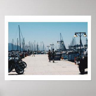 Poster Le pilier de port de la ville de Simon fait de la