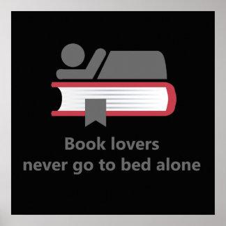 Poster Les amoureux des livres ne vont au lit jamais
