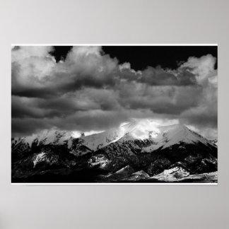 Poster Lumière du soleil sur les montagnes