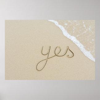 Poster Mot oui découpé sur le sable de plage