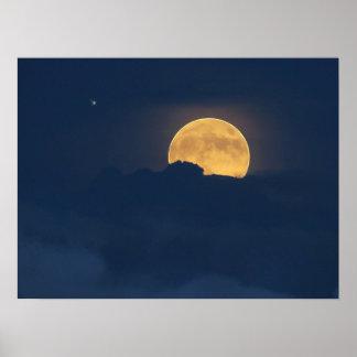Poster Nuages et affiche bleus de hausse de pleine lune