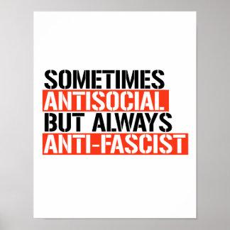 Poster Parfois antisocial mais toujours Anti-Fasciste -
