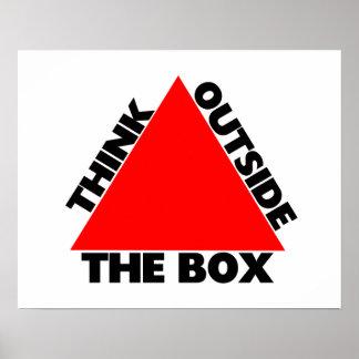 Poster Pensez en dehors de la boîte avec la triangle