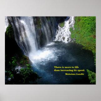 Poster Piscine sereine à une cascade