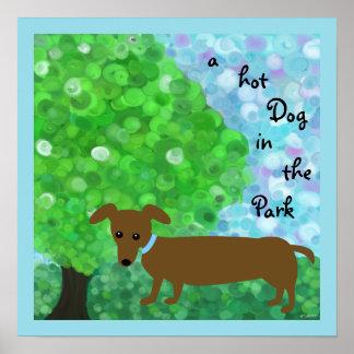Poster un hot-dog en parc