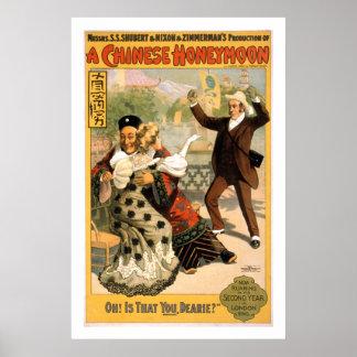 Une affiche vintage de théâtre de lune de miel chi