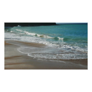 Poster Vagues enroulant sur l'océan de bleu de turquoise