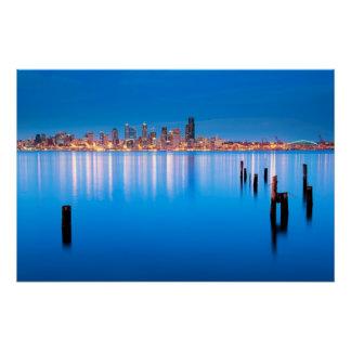 Poster Vue bleue d'heure de Seattle du centre