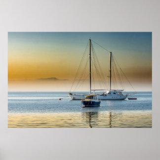 Poster Yacht et bateau renversants à la marina