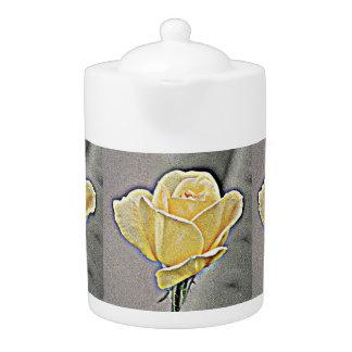 Pot de fleur rose graveleux jaune