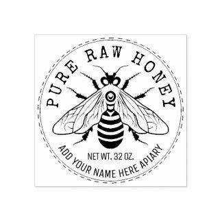 Pot de miel marquant le rucher d'abeille de nid