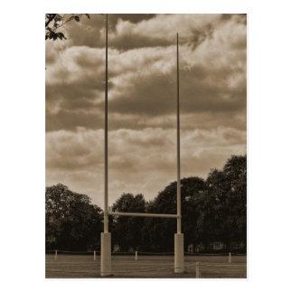 Poteau de but de rugby à l'école de rugby cartes postales