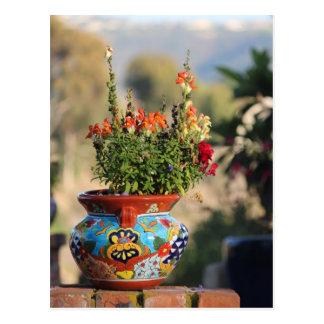 Poterie colorée avec des fleurs [toujours la vie] cartes postales