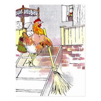 Poule avec des escaliers de support de balai à la carte postale